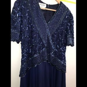 EUC Vintage Blue Short Sleeve Beaded V-neck Dress